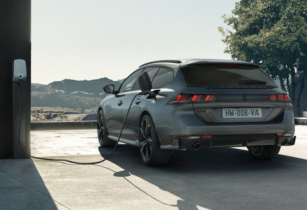Peugeot 508 SW Peugeot Sport Engineered。...