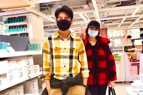 桃園醫院爆發醫護人員確診新冠肺炎,連日都有本土新增,台灣疫情升溫讓人緊張,還爆出「餐廳拒醫護人員內用」事件,不過更多網友力挺醫護人員,感謝他們在前線抗疫的勇氣與辛勞。男星郭彥均19日在臉書發文向醫護...