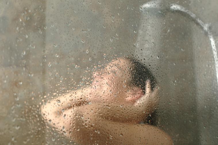 名網友便分享,自己洗澡絕對不會超過半小時,所以非常不解有些女生可以洗上1~2小時,讓他好奇詢問「有女生可以為我解惑嗎?」 圖/ingimage