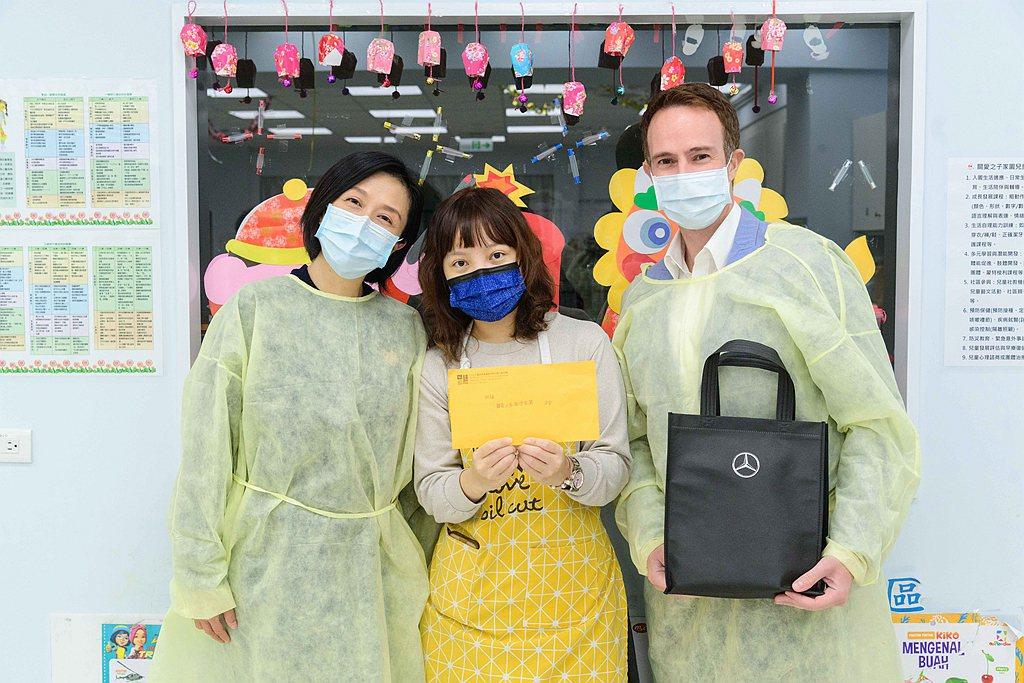 台灣賓士本次與台北流行音樂中心合作,共同將愛心回饋社會。 圖/Mercedes-...