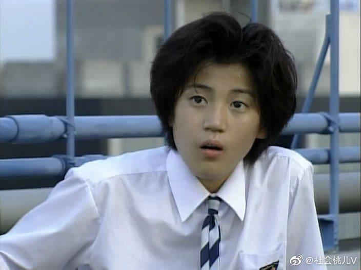 演出「麻辣教師GTO」時的小栗旬。圖/擷自微博