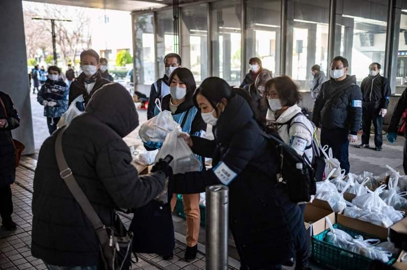 日本染疫重症患者破千,連續17天創新高。 法新社