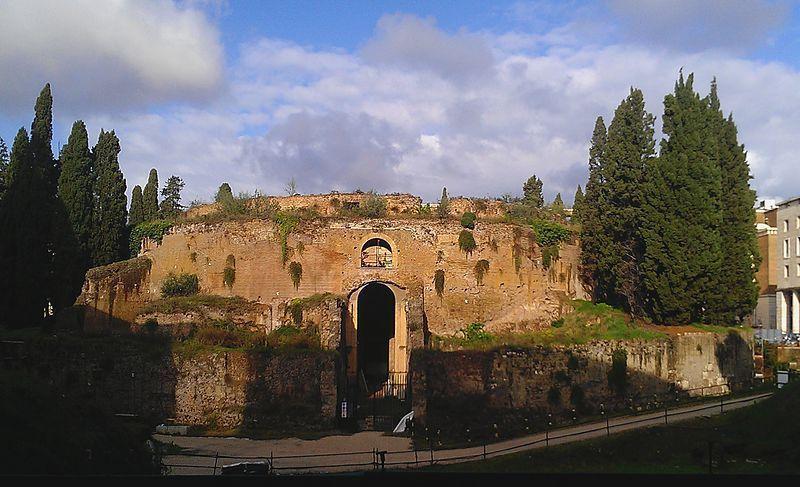 探訪西元前建成的珍貴遺產 / 來源: wikimedia