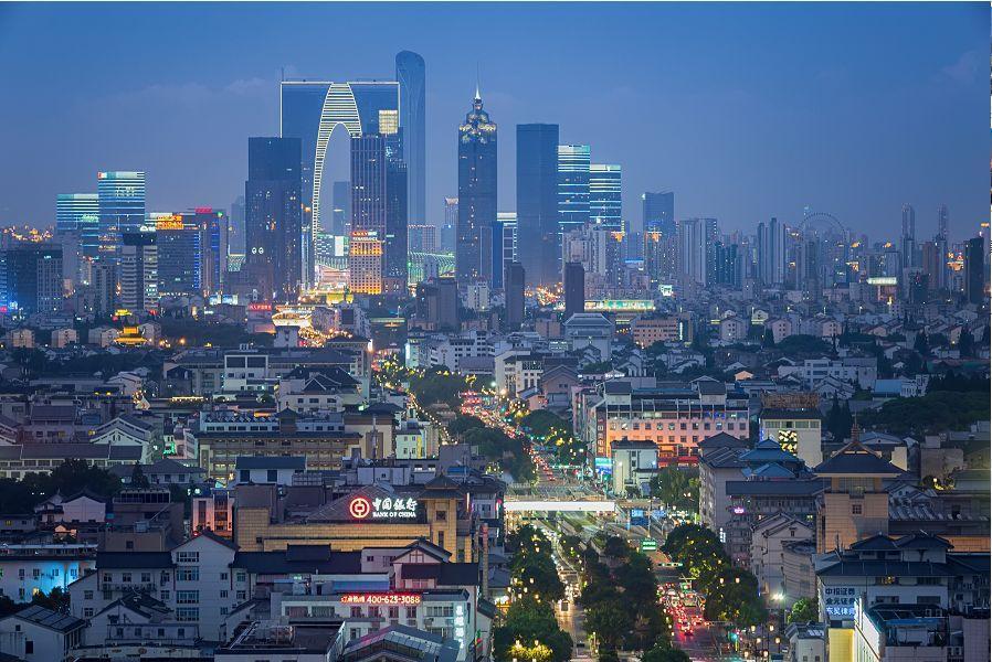 蘇州市城區璀燦的萬家燈火。(百度)