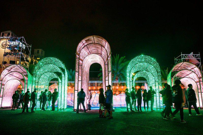 花蓮縣府舉辦的太平洋燈會,每年都吸引不少人潮。圖為去年活動照片。圖/花蓮縣政府提供。