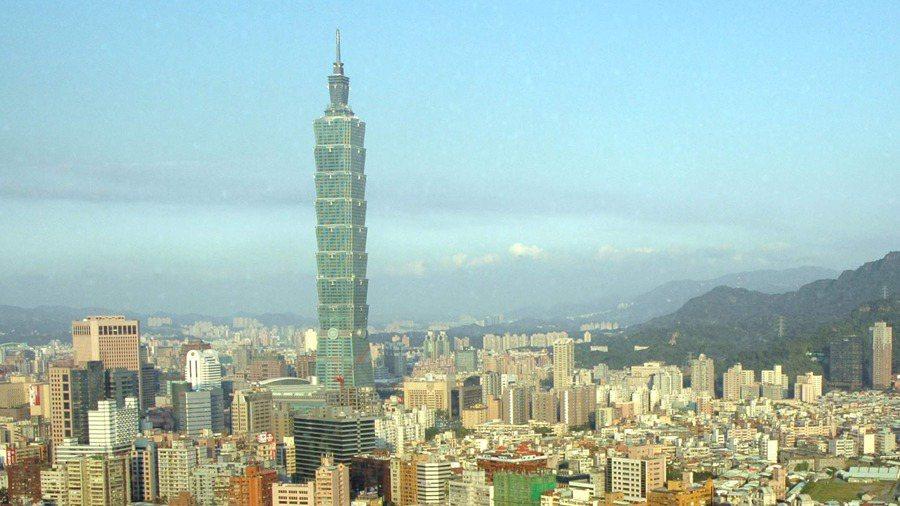 案864昨日進台北101事務所上班,接觸其他10名員工。聯合報系資料照