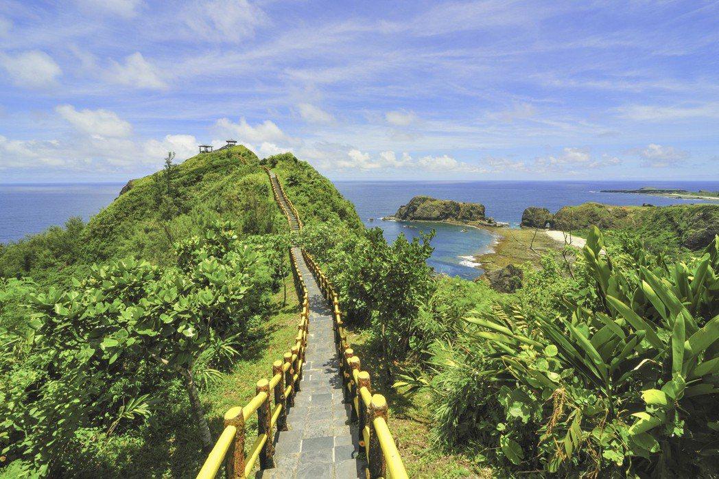 「台東」秀麗的自然風景及優質住宿,榮登全球第一,成為台灣之光。 圖/Bookin...