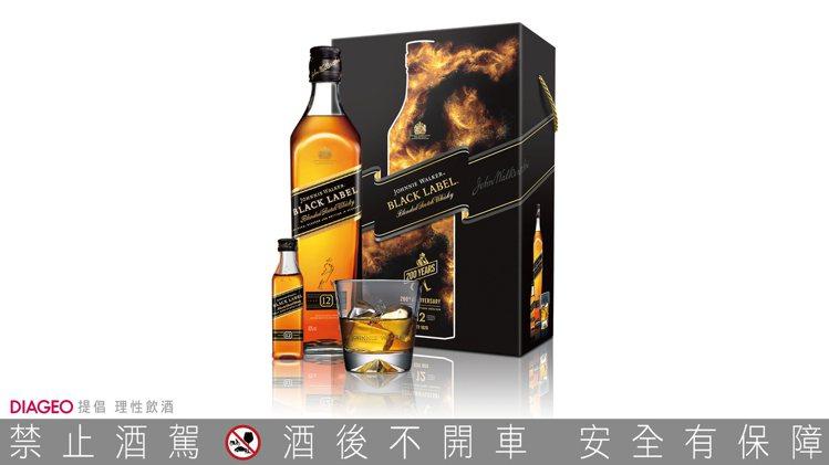 JOHNNIE WALKER黑牌12年蘇格蘭威士忌禮盒(內含一只經典醴讚杯,以及...