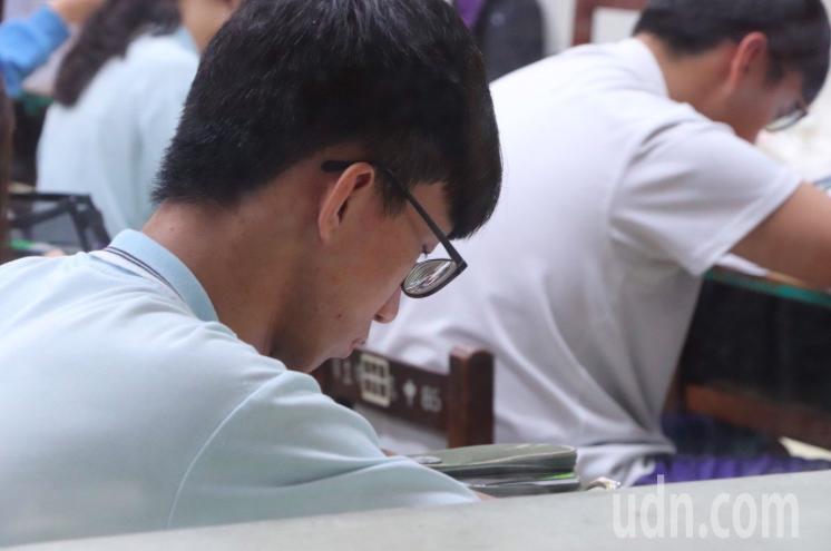 學測22日、23日登場,桃園共有1萬2723考生,應試要留意防疫規範。記者陳夢茹/攝影