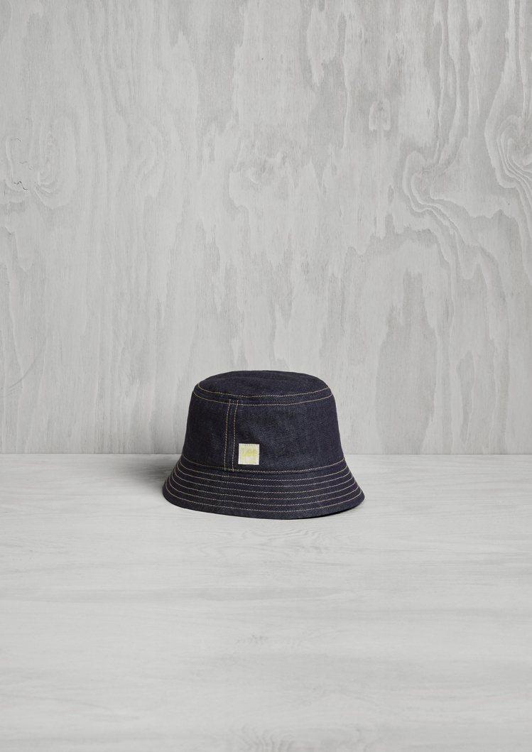 H&M x Lee聯名系列漁夫帽1,499元。圖/H&M提供