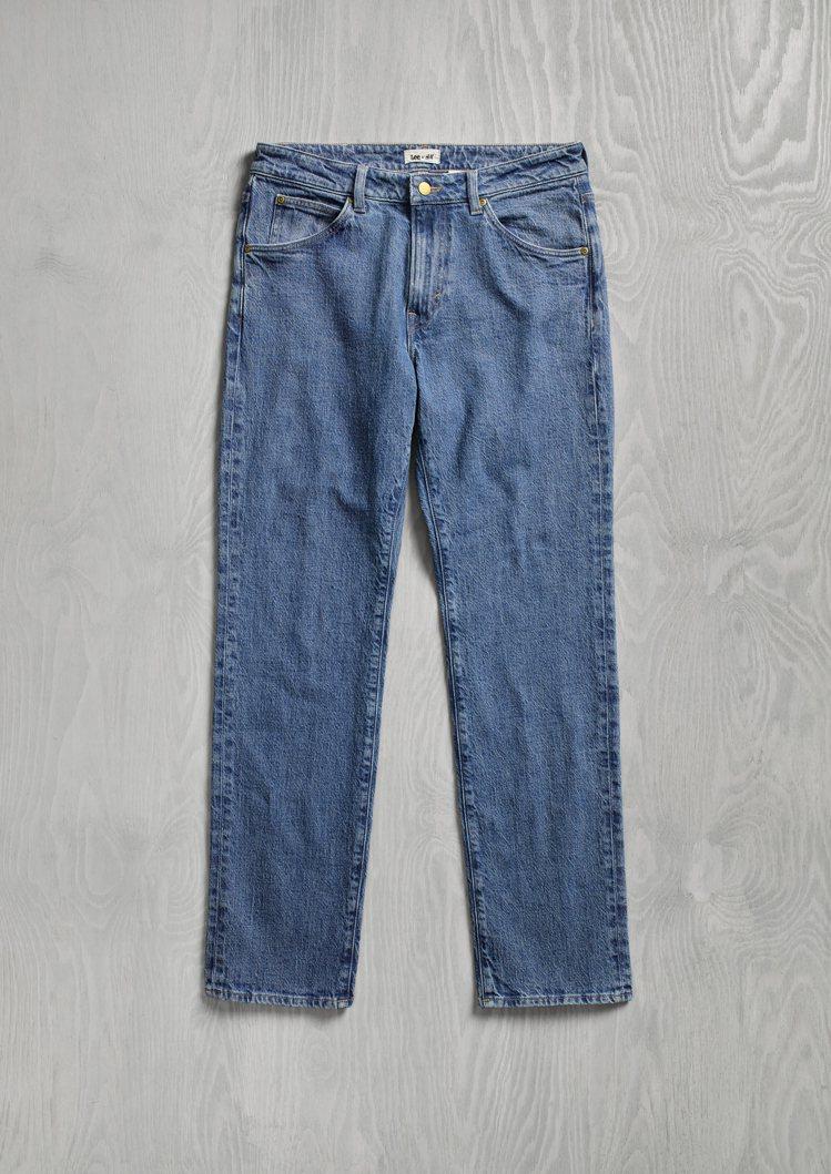 H&M x Lee聯名系列男裝牛仔褲1,499元。圖/H&M提供