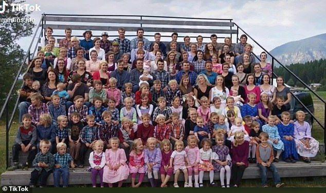 加拿大一個「一夫多妻」家庭非常有名,現年64歲的溫斯頓•布萊克莫爾(Winston Blackmore)總共有高達27名妻子、150名孩子。 圖擷自TikTok