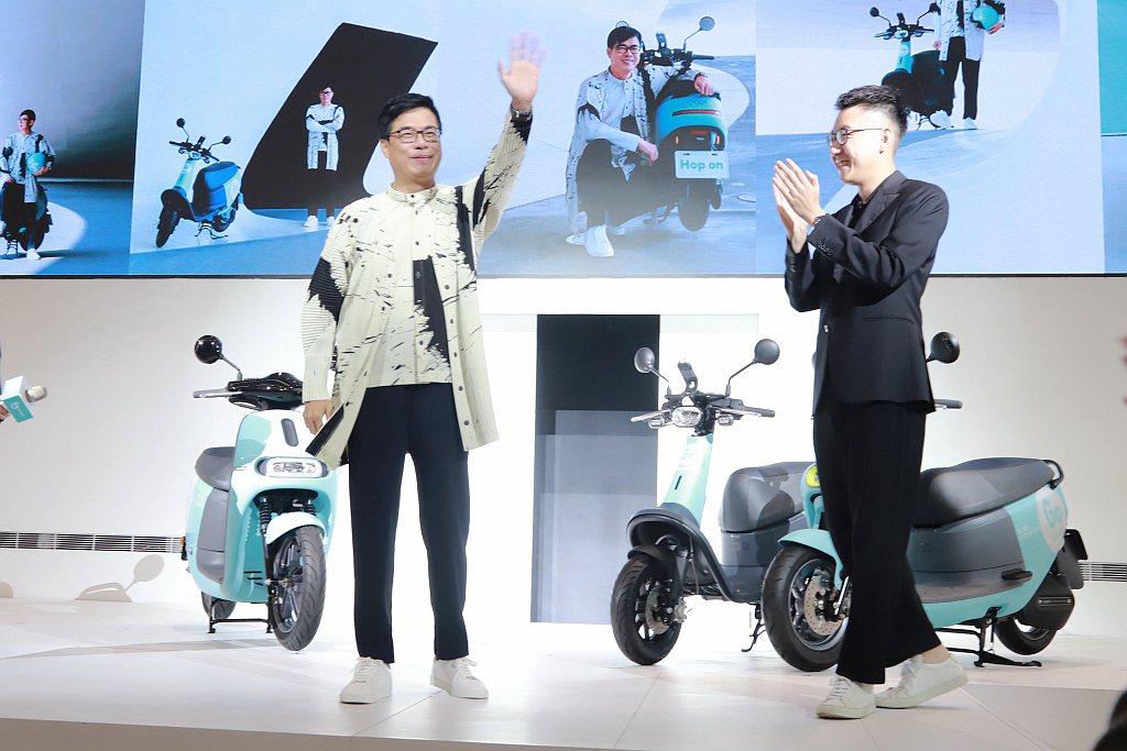高雄市長陳其邁表示:「高雄已是全台灣共享運具最豐富多元的城市,很高興在歡慶高雄建...
