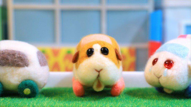 日本動畫《PUI PUI 天竺鼠車車》爆紅,療癒風格讓無數大人小孩都身陷其中。圖擷自《天竺鼠車車》官方推特