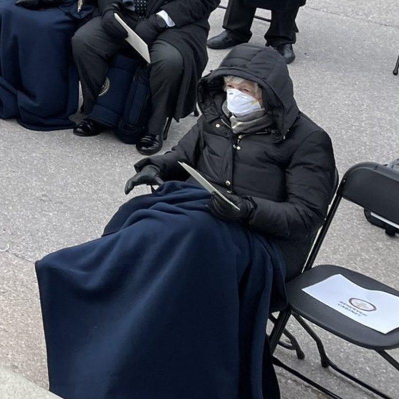 準財政部長葉倫造型以保暖為主。取自推特(@__apf__)