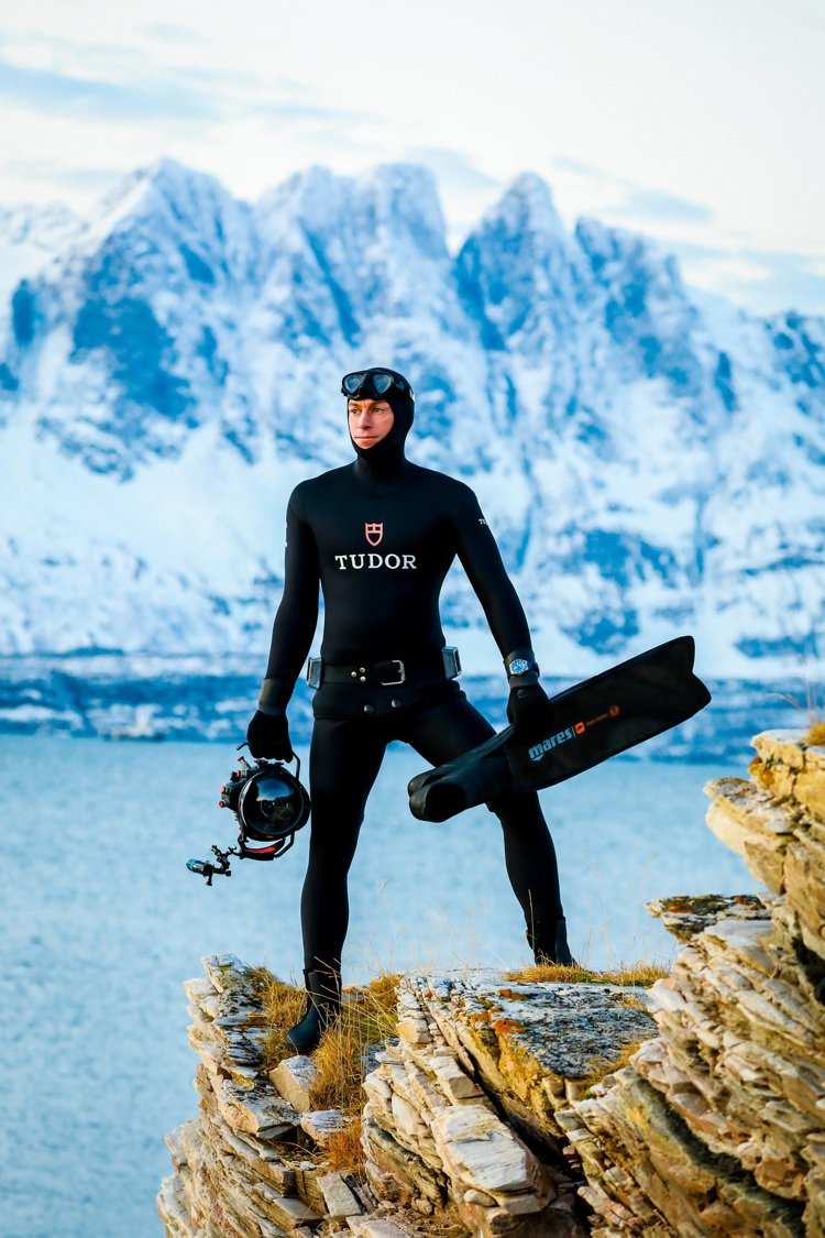 Morgan Bourc'his與TUDOR合作,並由水下攝影師兼導演Jean-...