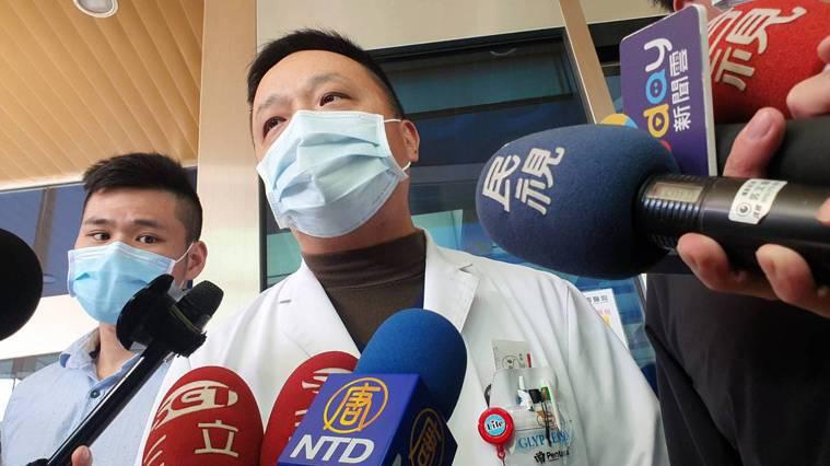 部桃急診醫學科醫師鍾亢出面喊話,急診部士氣很高,會努力為醫院、為桃園撐過這一役。...
