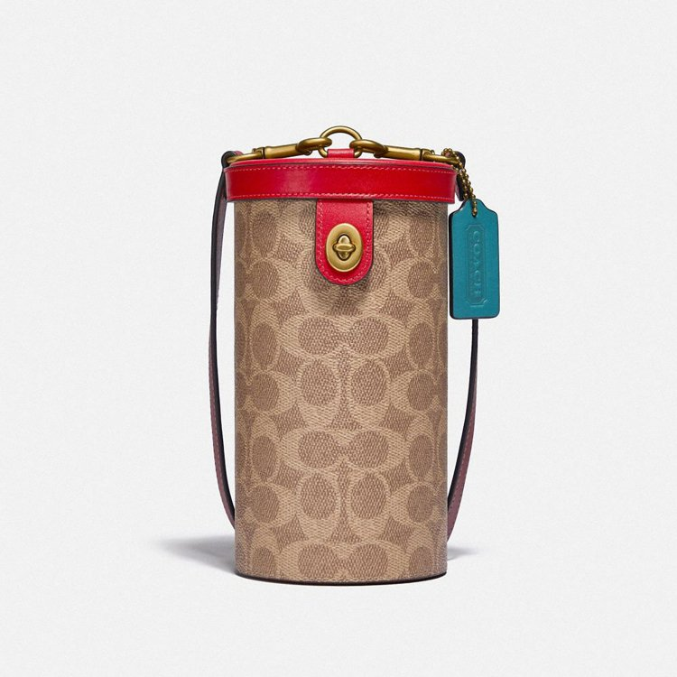 COACH Cylinder手袋,25,800元。圖/COACH提供