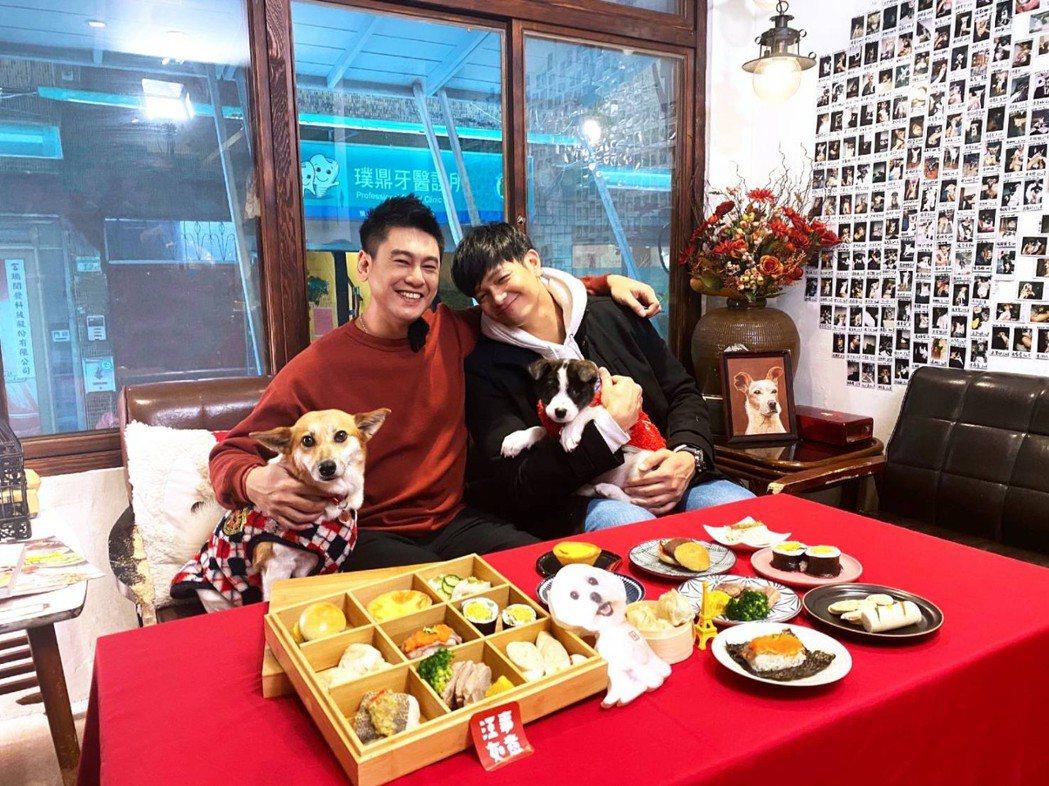 朱孝天(左)和廚師佛瑞德在節目中搞笑。圖/NNY network提供