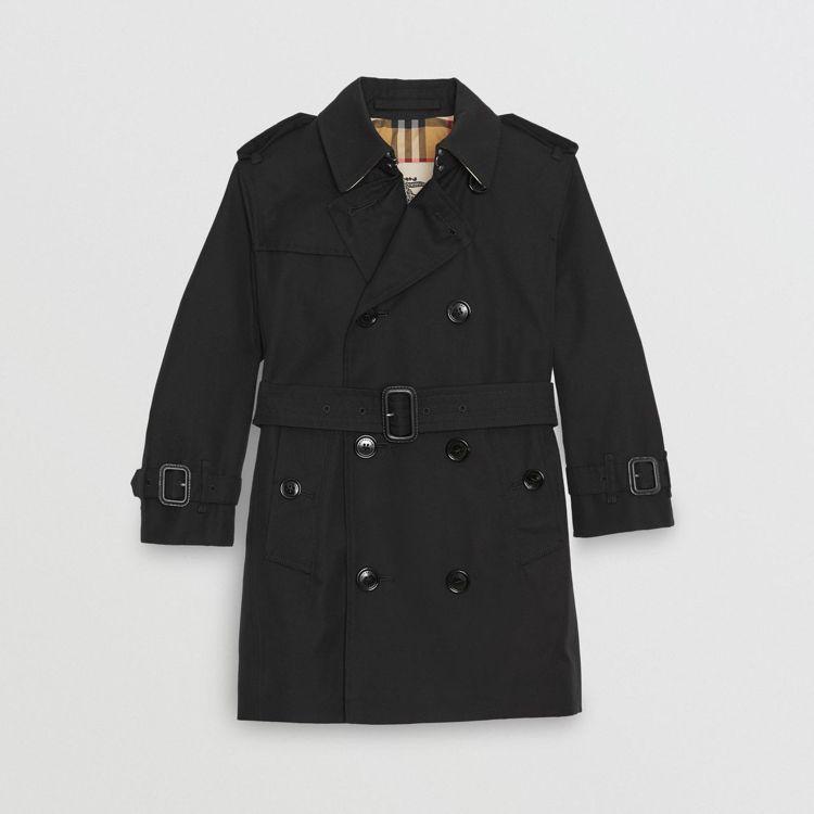 BURBERRY黑色經典雙排釦風衣,32,900元。圖/微風精品提供