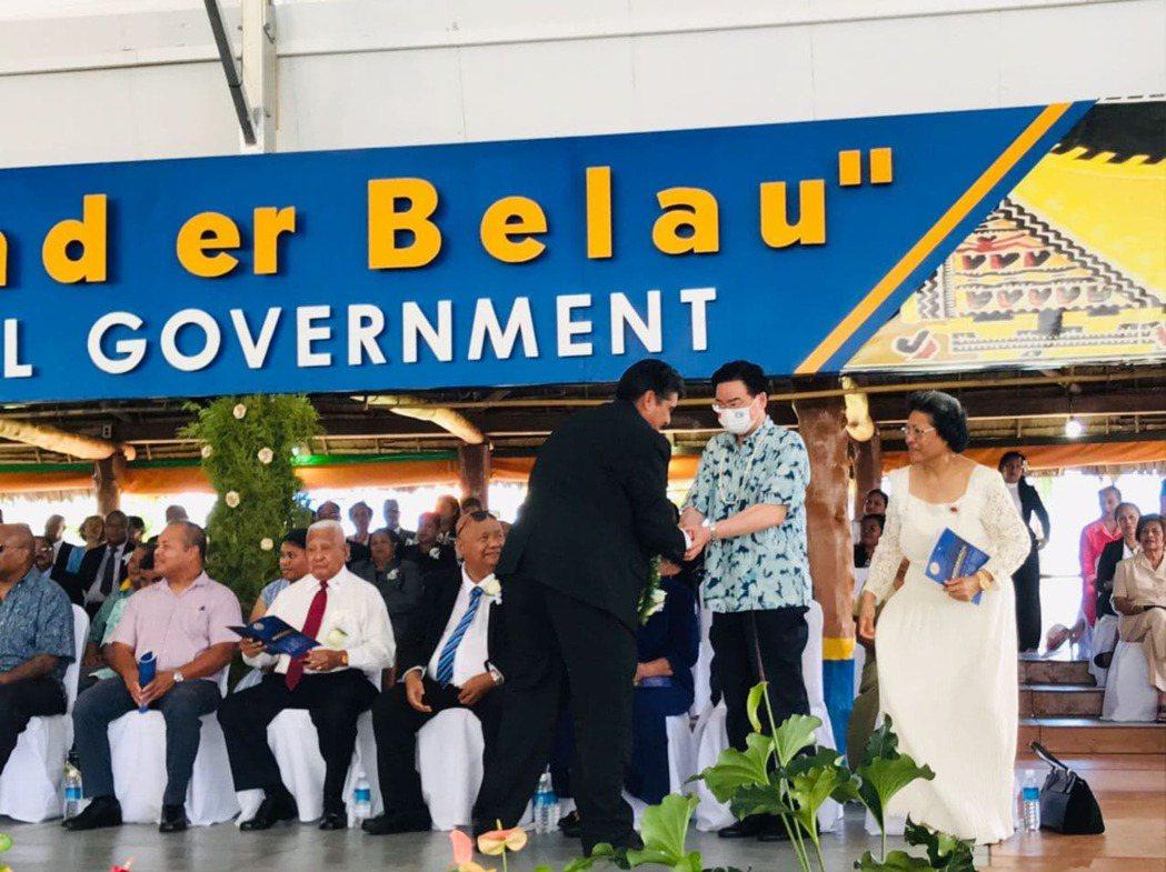 吳釗燮出席帛琉正副總統就職典禮。圖/外交部提供