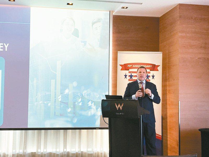 台灣美國商會發布2021商業景氣調查報告,台灣美國商會執行長李豪表示,現在是台灣的黃金年代。記者黃有容/攝影