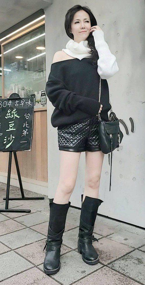 陳仙梅已是2個兒子的媽,身材依然窈窕。 圖/摘自臉書