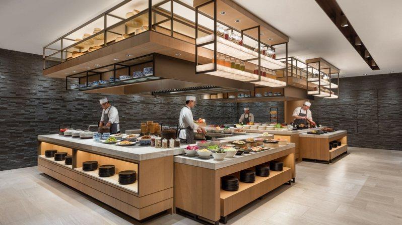 台北國泰萬怡酒店」推出「兩人同行,第二位免費」的超殺優惠,只要即日起至2月底,兩人平日早餐時段用餐,一人只要420元,就可以爽吃數十種Buffet料理。 圖/台北國泰萬怡酒店提供