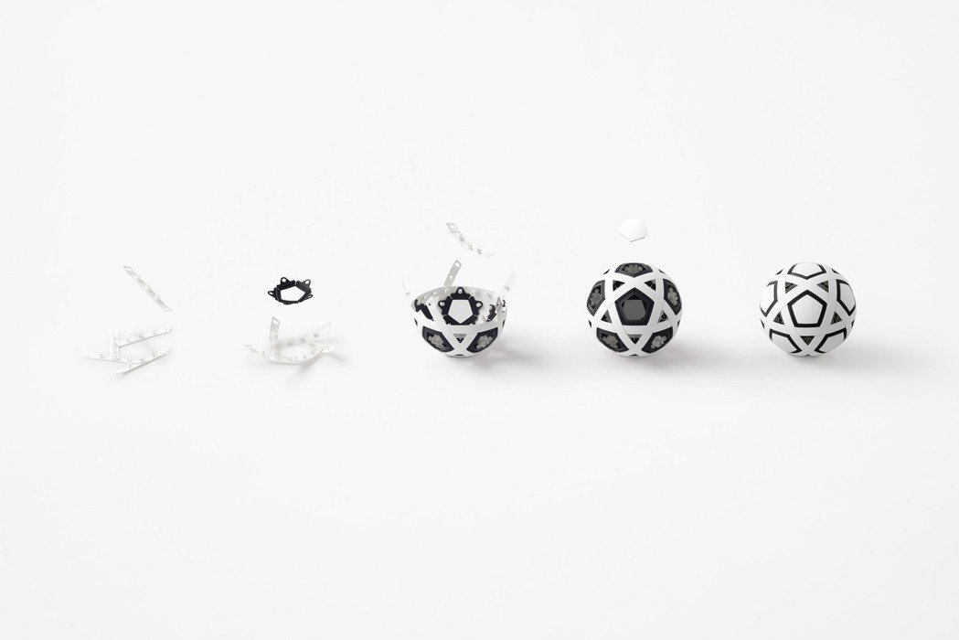Nendo設計的免充氣足球,以三類型零件組合而成。圖/摘自Nendo