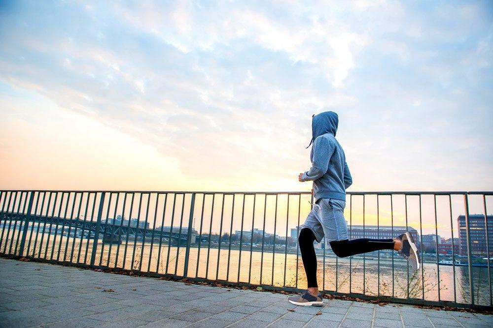 建立運動習慣要從穿對鞋開始, 可以從根本降低風險,讓運動習慣維持更久。 圖/阿瘦...