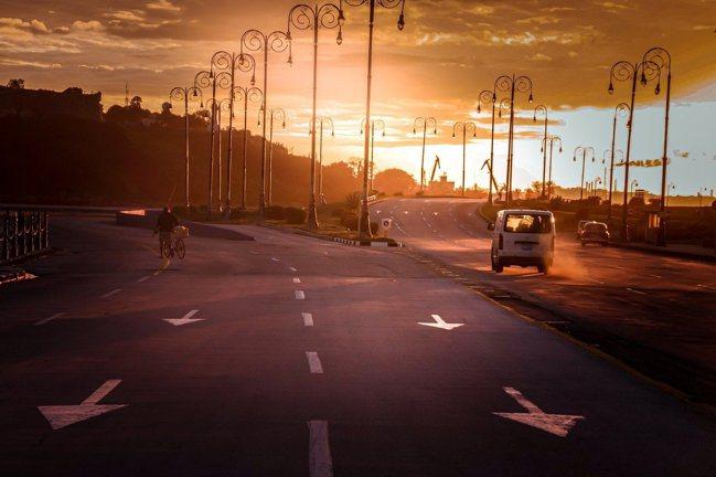 智慧路燈可作為城市數據蒐集點,製作分析後再銷售給消防、警政、環境保護等其他市政單...