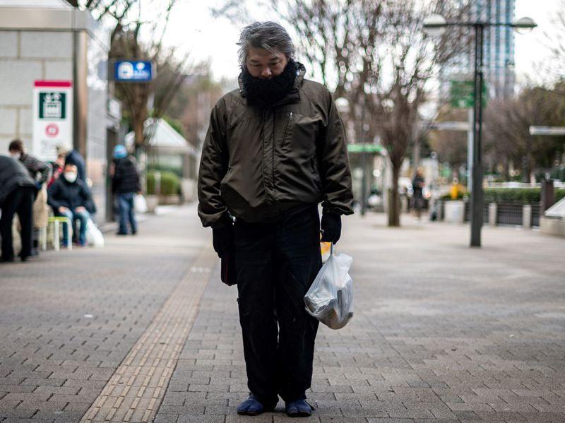 新年過後日本疫情不斷惡化,雄一郎在失業之前曾是建築工人。法新社