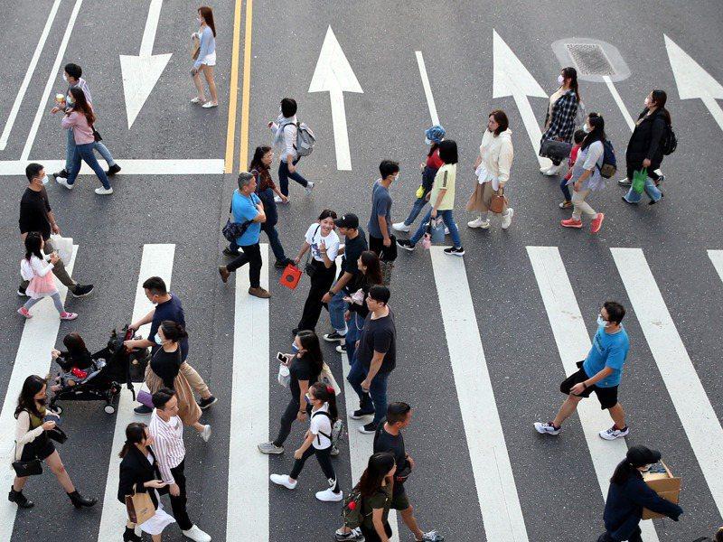 去年以來,台灣出現不少合併案,併購後勞工可根據勞動條件決定是否同意留用或要求資遣。圖/聯合報系資料照片