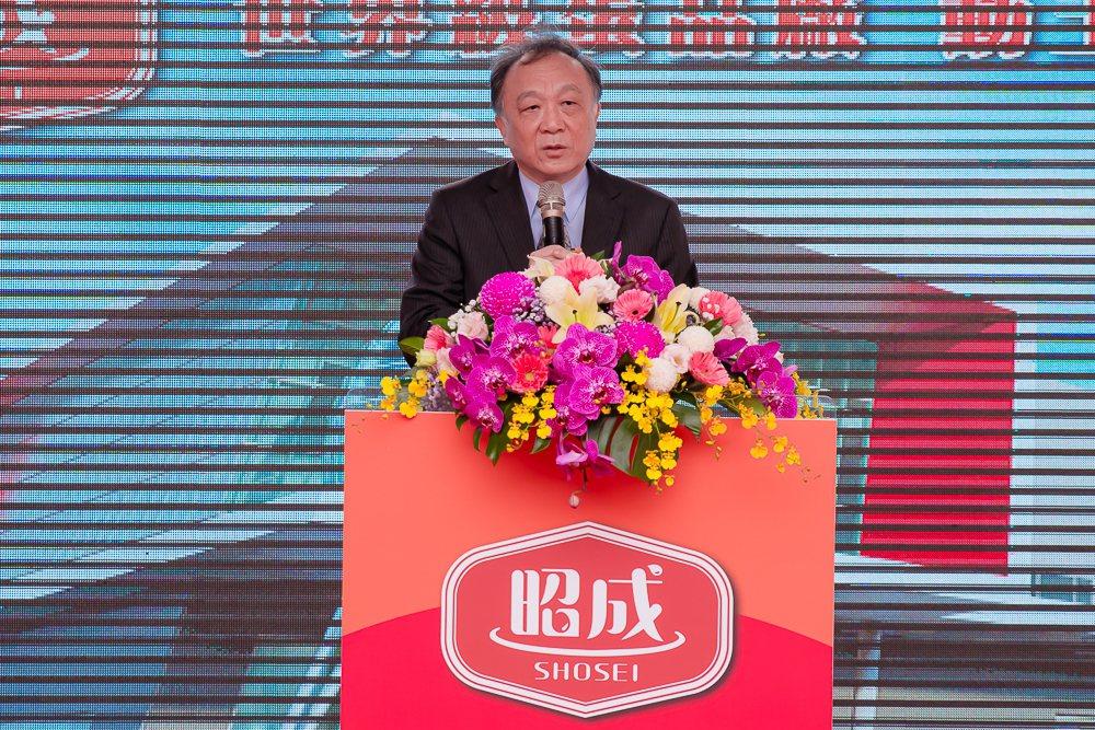 大成集團董事長韓家宇說明昭成蛋品廠的建設對整體產業的重要性。大成/提供