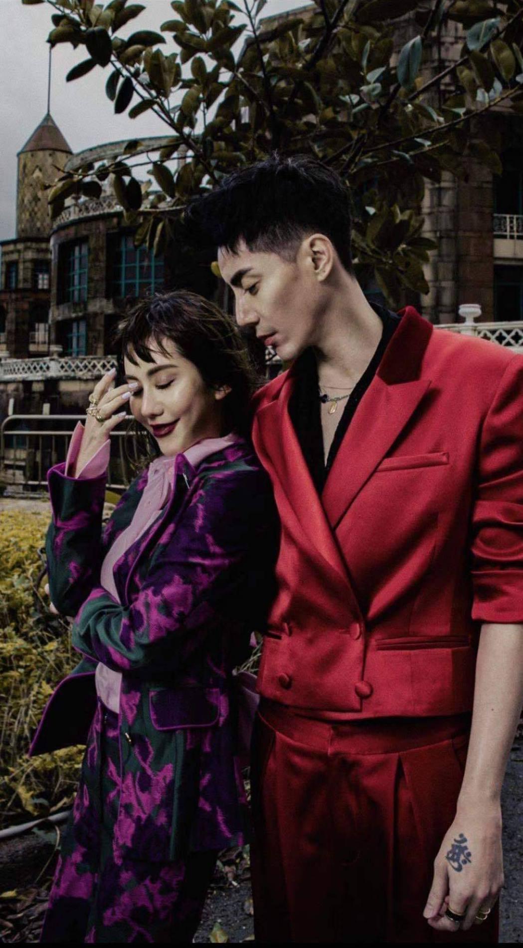 王凱(右)和王宇婕合作拍攝時尚照片。圖/王凱提供
