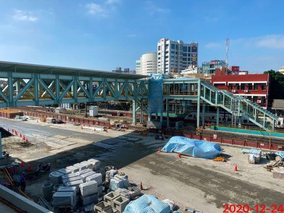 跨站天橋(北側)。圖/鐵道局提供