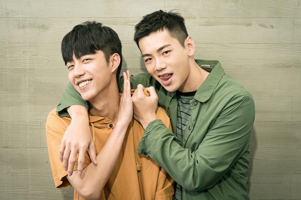 蔡凡熙(左)和禾浩辰演出「我家浴缸的二三事」。圖/羚邦集團提供