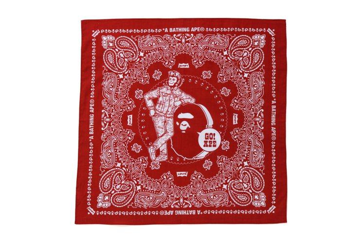 LEVI'S與BAPE聯名系列方巾1,199元。圖/I.T提供