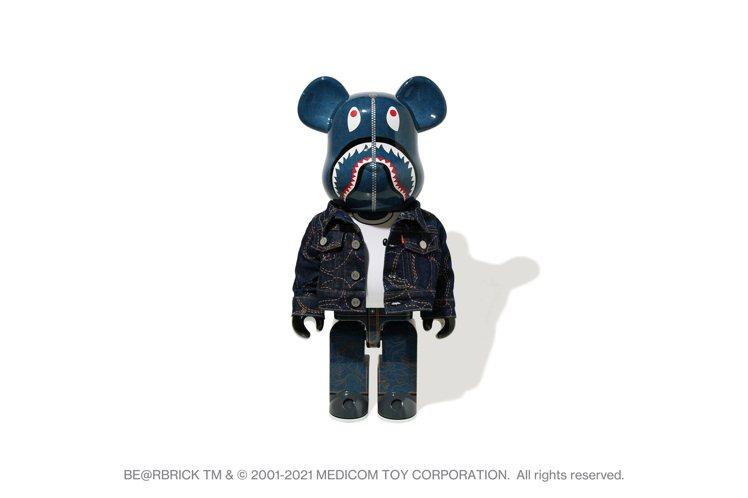 LEVI'S與BAPE聯名系列1000%BE@RBRICK熊66,999元。圖/...