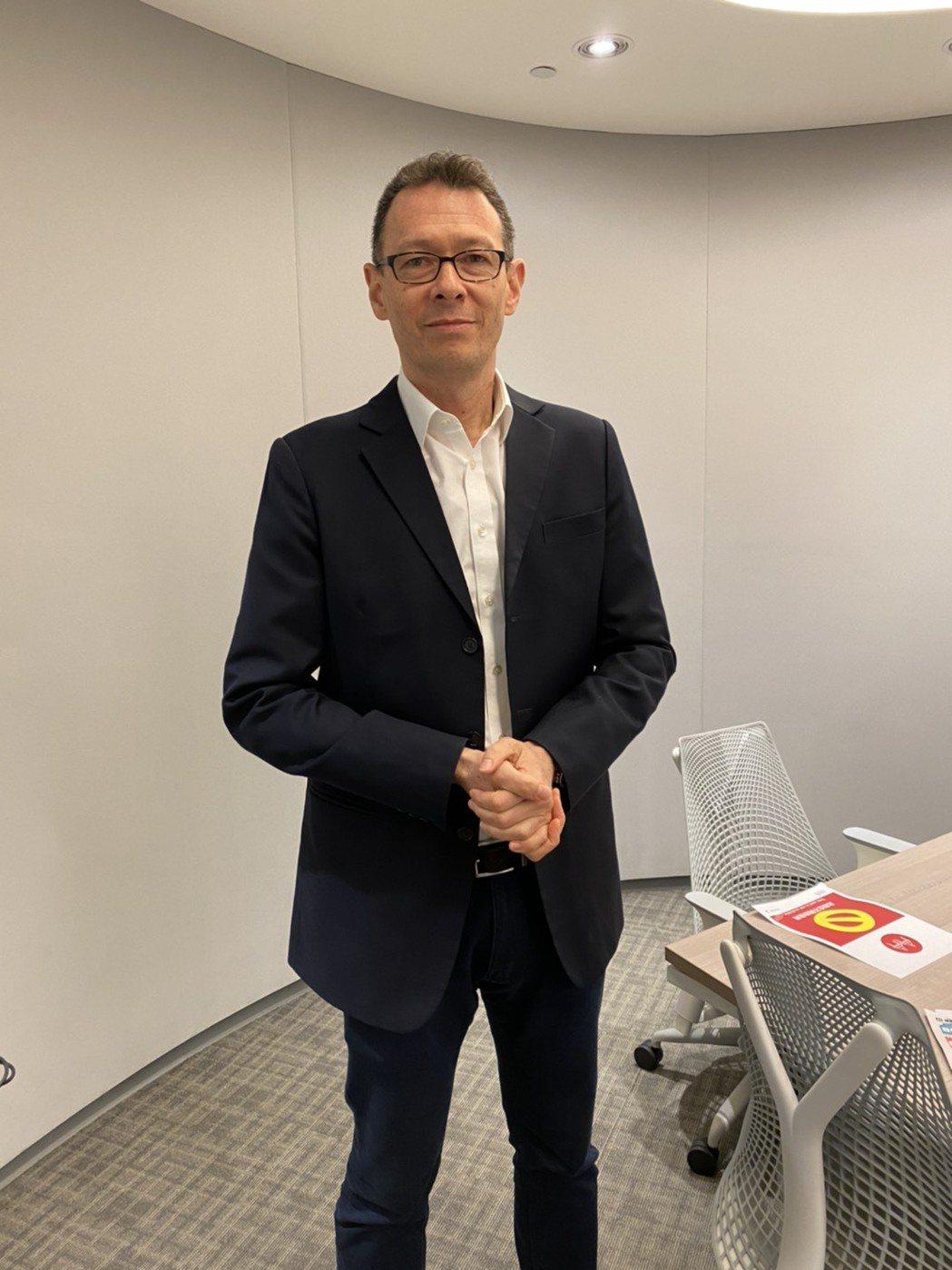 賽諾菲巴斯德總經理Phillip Ho受訪指出,追加給台灣的流感疫苗是新型疫苗,...