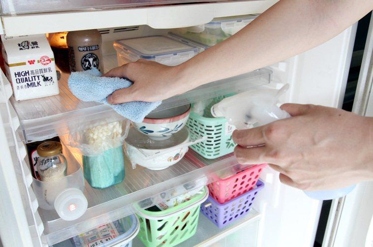 冰箱內食材做好分類,就不怕放到過期。本報資料照片