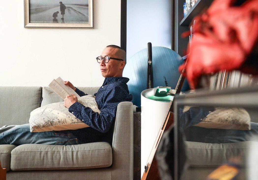 在紐約唸書期間,黃俊隆隔離外界的訊息干擾,完全活在當下每一步。 圖/吳致碩攝影。
