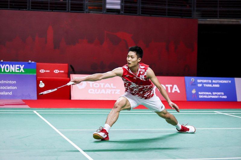 周天成在昨天的台灣內戰拿下生涯對戰王子維的8連勝後,連續兩周挺進到四強賽。 泰國羽球協會提供/中央社