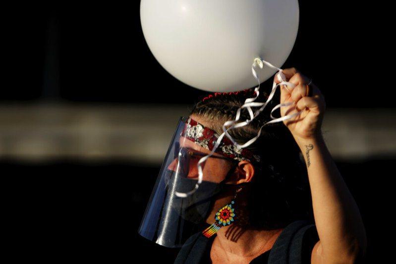 巴西聖保羅州新冠肺炎疫情惡化,社交隔離措施變得更加嚴格。 圖/美聯社