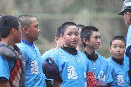 富邦盃/少棒龜山3戰拿38分  24日與東園爭冠