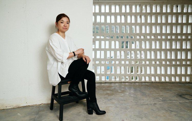 兼具研究員和創作者身份的許芳華,常將藝術與傳統工藝結合。她渴望將科學、創新和科技...