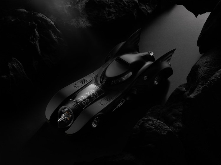 Kross Studio與華納兄弟合作的1989 Batmobile X Kro...