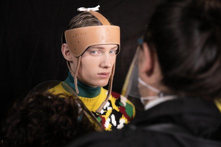 獨特的帽飾為男裝細節增加變化。圖/DIOR提供