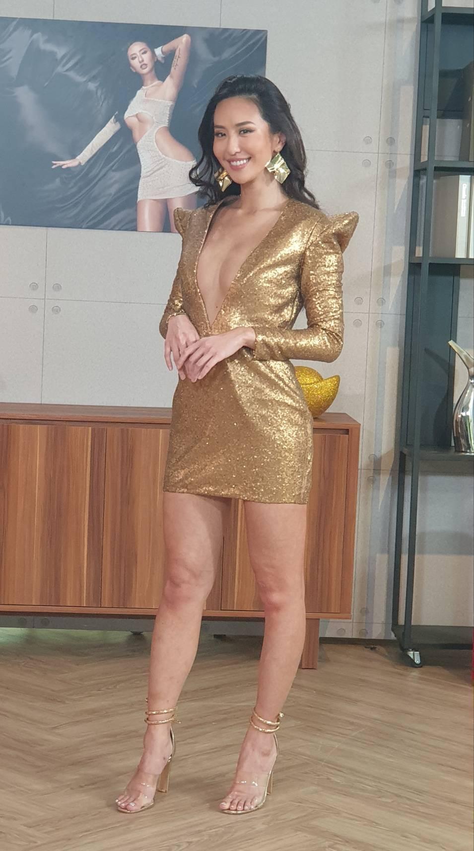 薔薔以性感洋裝展現好身材。記者李姿瑩/攝影