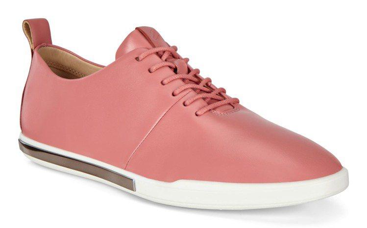 ECCO SIMPIL簡約系列休閒鞋6,380元。圖/ECCO提供